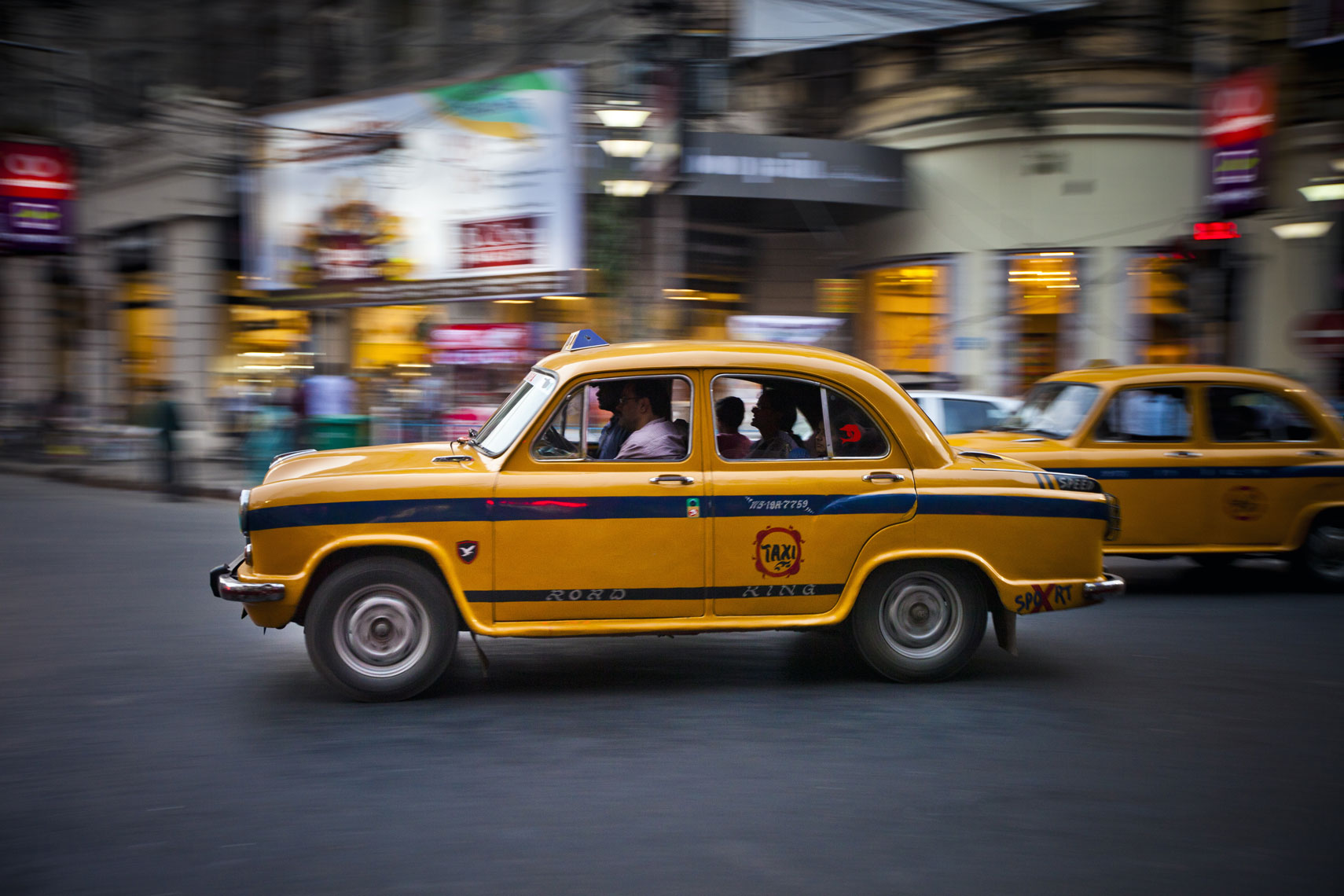 lra_20140206_silkair_calcutta_edited_300DPI_RGB-8433_Taxi
