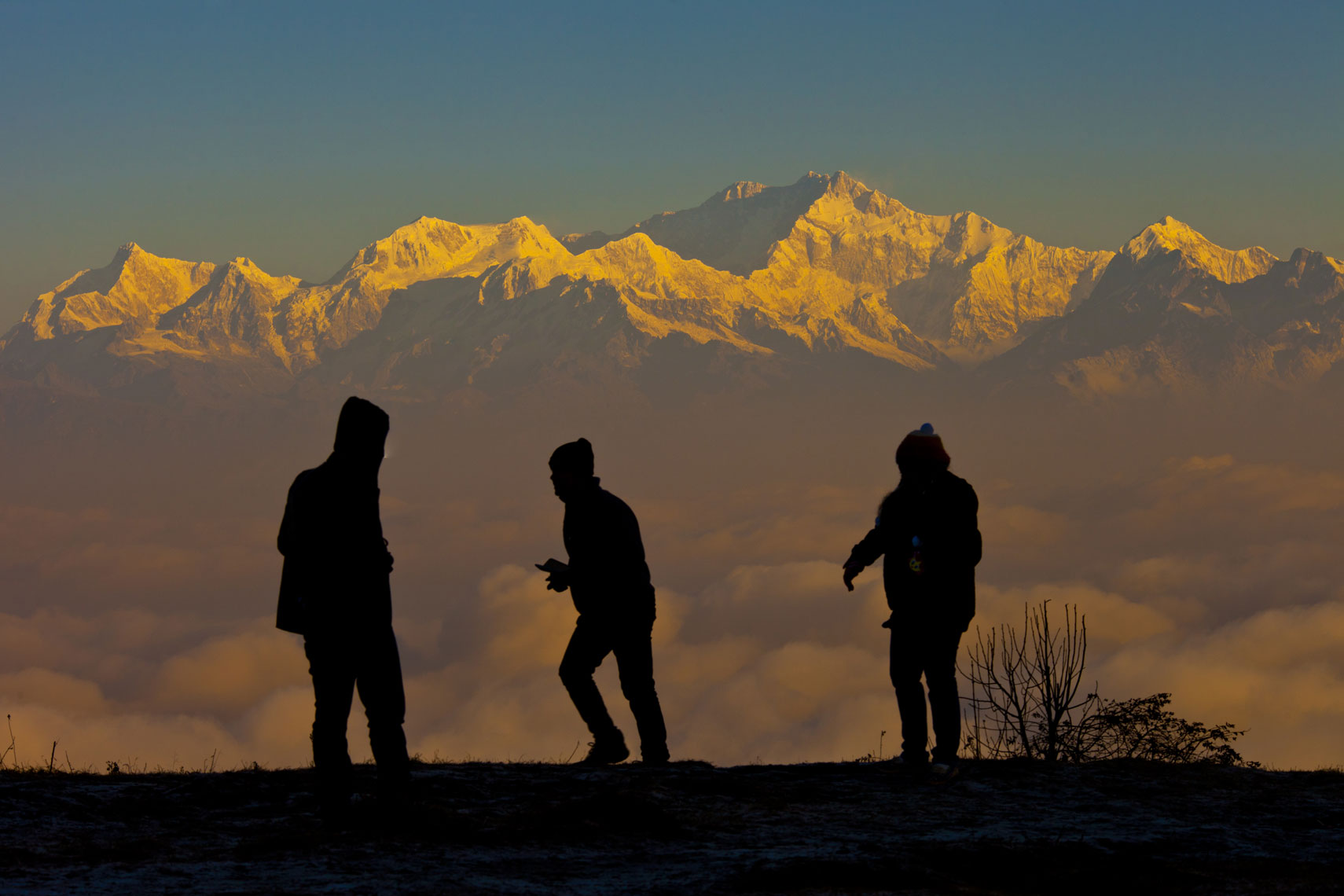 lra_20140206_silkair_calcutta_edited_300DPI_RGB-9527_Darjeeling_Sunrise-on-Tiger-Hill_View-of-Kanchenjunga