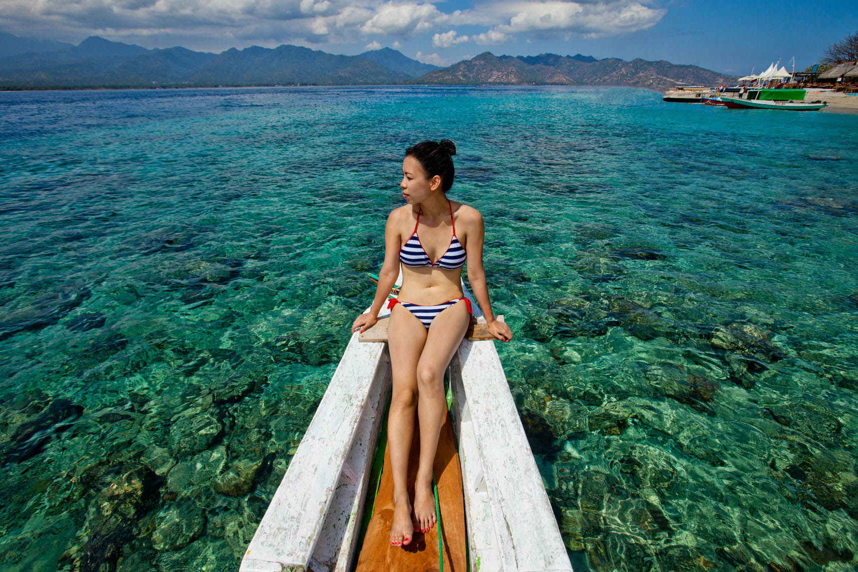 lra_20140810_silkair_yogyakarta_lombok_edited_300DPI_RGB-9722_lombok_giliair_girl_on_boat6